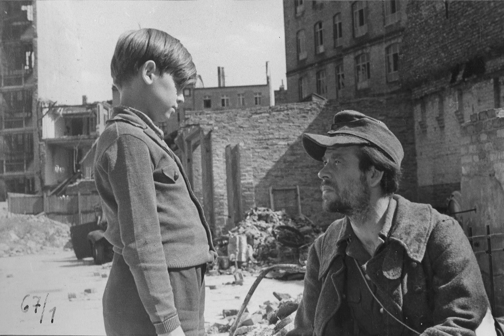 """Filmstill zu """"Irgendwo in Berlin"""""""