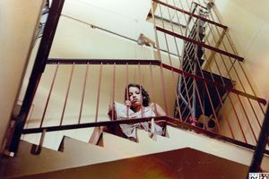 "Film still for ""Isabel auf der Treppe"""
